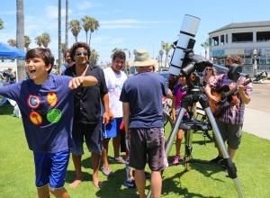 Sidewalk astronomy in Ocean Beach, California