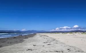 7-6-Beachsign