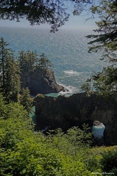Natural Bridge along the 400 mile Oregon coast trail